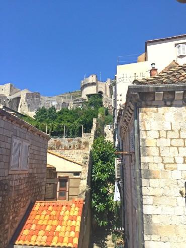 do nosso quarto conseguíamos ver a torre minceta, parte da muralha!
